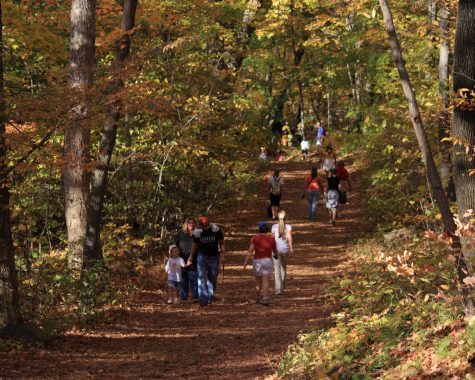hikers on the Talcott Mountain Trail - from Wikimedia Commons