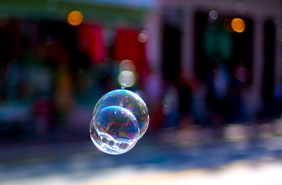 Bubbles+-+by+Jeff+Kubina+-+CC0+-+via+wikimedia%0A
