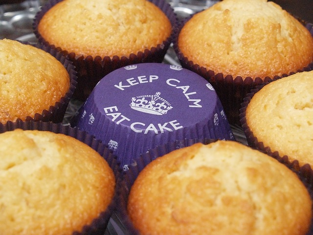 Keep calm and eat cake! - photograph by mushko via pixabay