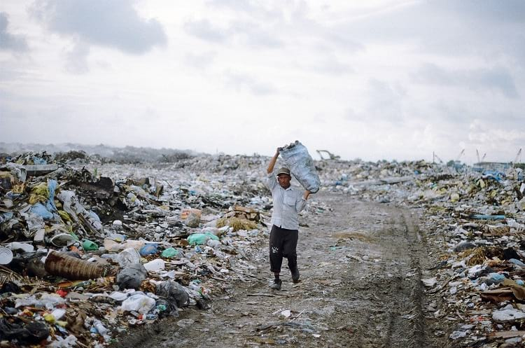Plastic trash that does not get recycled ends up in huge landfills, such as Thilafushi Kuni Gondu in the Maldives. Dying Regime via Flickr.